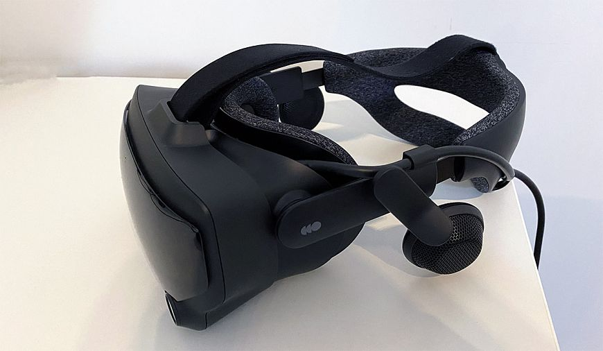 Valve Index virtual reality helmet