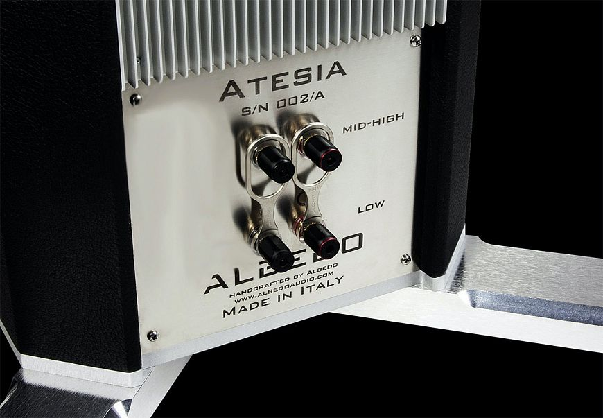 Albedo Atesia - flagship floorstanding speakers powered by Helmholtz resonators