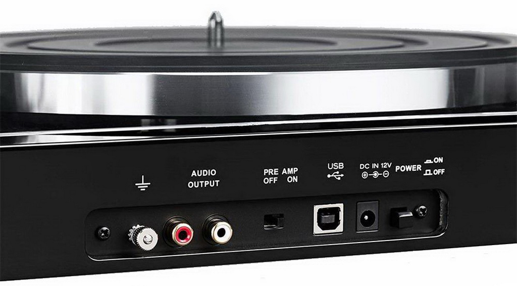 Review of Thorens TD 201 and TD 202 vinyl players from SalonAV 2.jpg