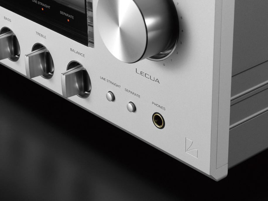 Line Straight button to turn off the Luxman L-590AXII tone block