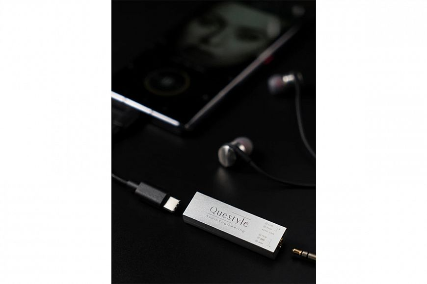 Questyle M12 - Portable DAC / Headphone Amplifier with MQA