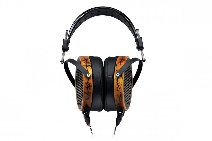 Audeze LCD-R and Schiit Jotunheim-A - a set of headphones and amplifier for clear and high-quality sound